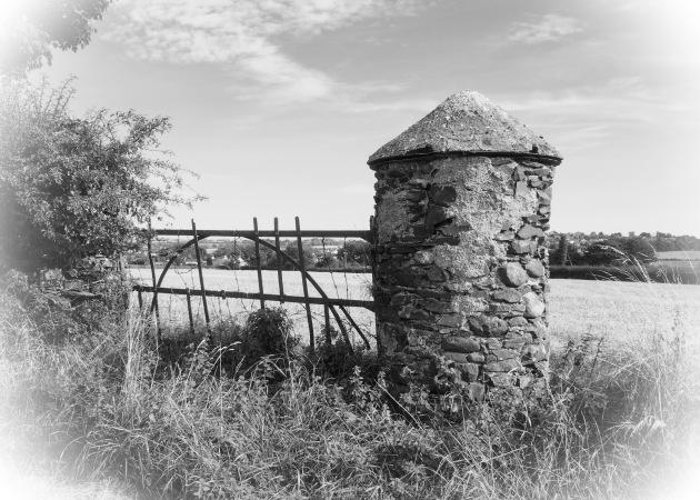 Purdysburn Gatepost